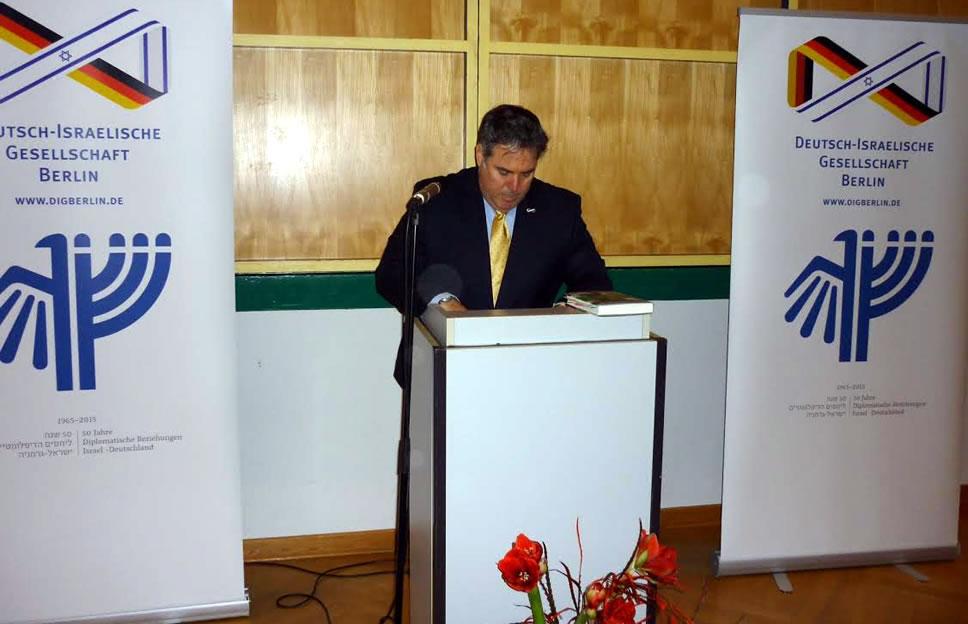 Rogel Rachmann, Leiter der Abt. Öffentlichkeitsarbeit an der Botschaft Israels